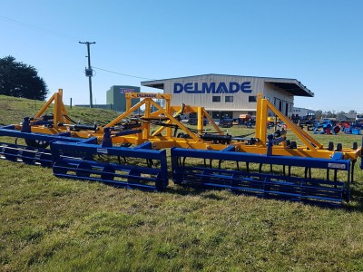 Delmade 6m Folding Heavy Duty Cultivator with Crumbler.jpg