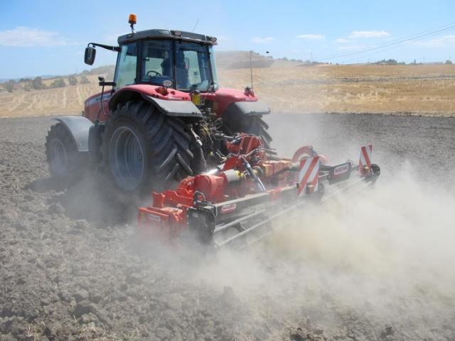 p2-51 — Maschio Gabbiano Series (120-280 HP) Power Harrows