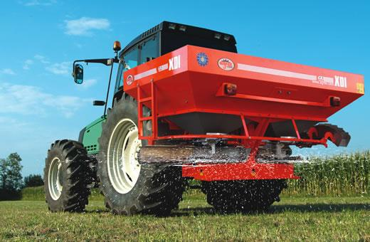 p4-14 — Agrex XDI (3000L/3000kg) Large Capacity Linkage Fertiliser Spreader