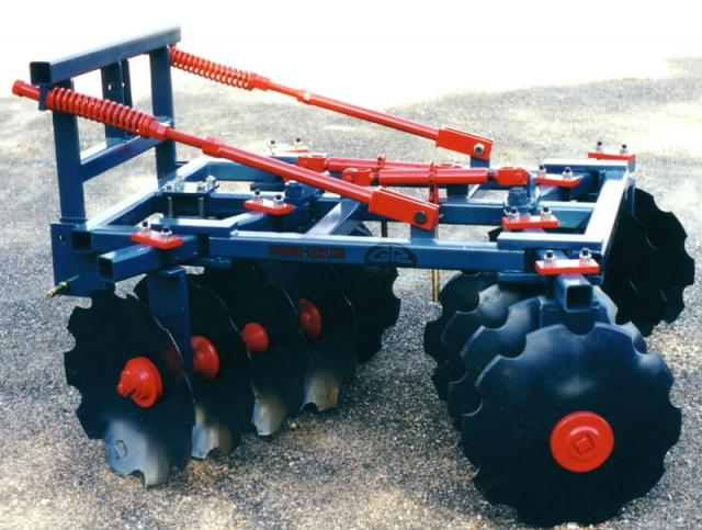 w1-03 — TH30 Heavy Linkage Tandem Disc Plough