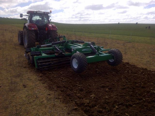 w1-22 — K-Line Speed Tiller Trailing