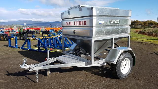 w13-000 — Trail Feeder 1.5 Tonne