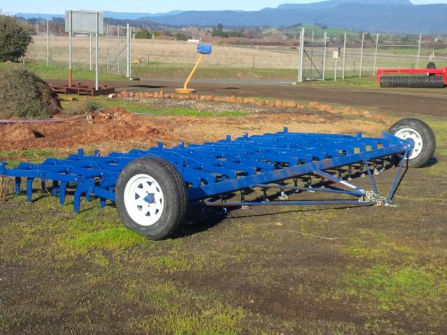 w2-211 — DELMADE Giant Harrow Bars and Frame